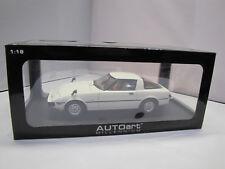 75982 AUTOart Mazda Savanna RX-7 (SA) (Aurora White) 1:18