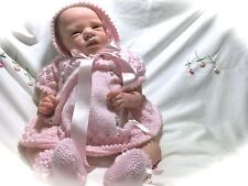 Gorgeous Hand Knitted Rosebud 3-Piece-Outfit for Newborn Baby 0000