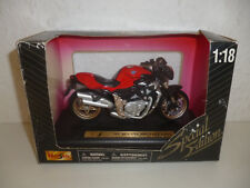 MAISTO / MOTORRAD / MODELLMOTORRAD / MV AGUSTA BRUTALE ORO / 1:18 / #815#