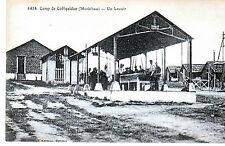 CPA CAMP DE COETQUIDAN UN LAVOIR