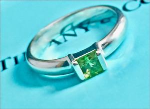 Tiffany & Co. Green Peridot Princess Cut Stacking Sterling Silver Ring Sz 5.25
