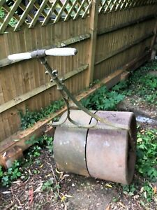 Large Cast Iron Roller, good condition, ready for use, very heavy