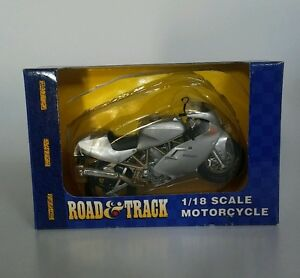 Road & Track 1/18 Scale Motorcycle Ducati silver Maisto