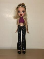 Bratz Cloe Doll With Hot Pink Shirt And Spotted Jean Pants