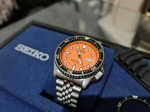 Seiko SKX 011 J Orange Divers watch, with Jubilee and rubber straps 007 009