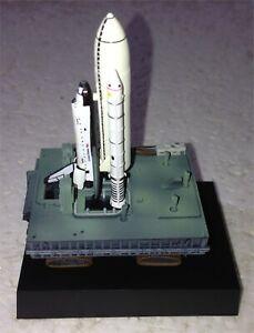 COLUMBIA NASA Space Shuttle Full-Stack MLP Crawler LED 1:700 Scale Model KAIYODO