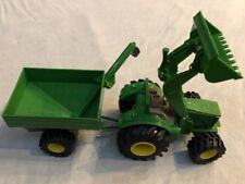 Ertl 10514Q00 John Deere Front End Loader & Trailer. Rubber Tires Plastic Body