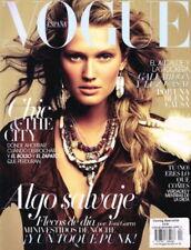 April Vogue Magazines in Spanish