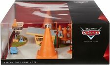 New DISNEY/PIXAR Cars Precision Series Sallys Cozy Cone Motel Playset FCP08