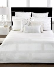 Hotel Collection Frame White Full/Queen Comforter MSRP $350 W1770