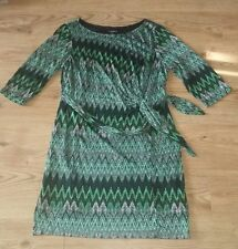 Ladies Sharagano Green Black White Dress with linning size 16 Stretchy Fabric