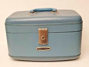 Vintage Travel Smart Blue Train Case Carry On Travel Make Up Cosmetics Bag