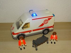 Playmobil Krankenwagen mit Licht 4221