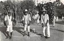 TAMAZUNCHALE, MEXICO, 3 MEN, LOADS ON THEIR BACKS, REAL PHOTO PC c. 1940-50's