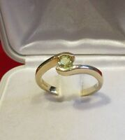 Secondhand 9ct Yellow Gold Single Green Gemstone Ring Size M 1/2.