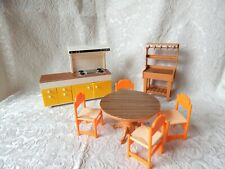 VINTAGE TOMY SMALLER HOMES DOLL HOUSE KITCHEN-STOVE,TABLE 4 CHAIRS,BUTCHER BLOCK