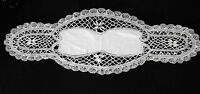 """VINTAGE EDWARDIAN WHITE HAND MADE LINEN & CLUNEY LACE TABLE LINEN 29"""" X 10 """""""