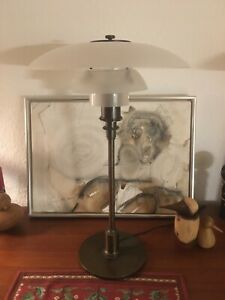 Poul Henningsen PH 3/2 Anniversary Model, table lamp. Louis Poulsen