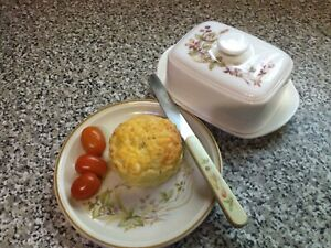 6 Homemade Cheese Scones - Made to order. Freshly Grated Mature Cheddar Cheese.