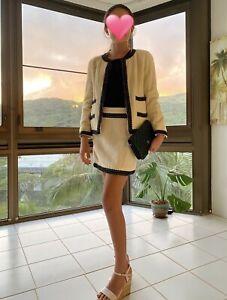 **Chanel Cruise Line Suit Jacket Skirt Cream W/t Black Trim Vtg Sz40 100% Auth**