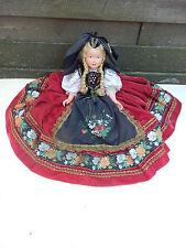 19) Alte Zelluloid Trachtenpuppe Puppengewand sehr Aufwendig gemacht Puppe
