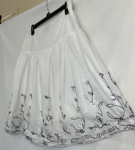 JKLA California Tiered White Skirt Embroidered Full Gathered Size M 100% Cotton