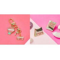 Kpop BLACKPINK WORLD TOUR Badge Brooch Chest Pin Keychain Key Holder Pendant US~