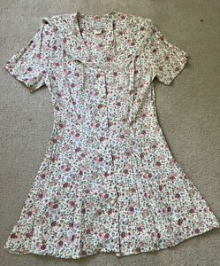 vintage floral Lace Up Corset dress size 11 White And Pink