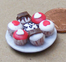1:12 Scale 7 Assorted Cup Cakes On A Plate Dolls House Miniature Accessory CC2