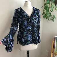 White House Black Market floral bell sleeve top size 4 women's blouse small S