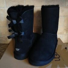 UGG SHORT BAILEY BOW BLACK SUEDE SHEEPSKIN BOOTS US 7 WOMENS 1002954