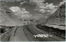 BADLANDS NATIONAL PARK, South Dakota  SD   East to CEDAR PASS  1952  Postcard