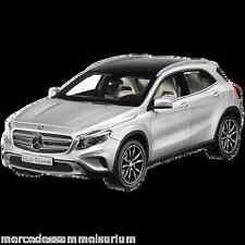 Mercedes Benz X 156 GLA Klasse Polar Silber 1:18 Neu OVP
