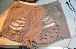 BNWOT Missguided Hot Pant Ripped Shorts Size 10