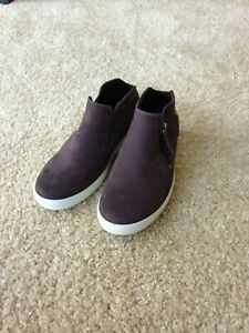 New ECCO Womens Soft Leather Low Bootie Color Fig Size EU 36, US 5 / 5.5