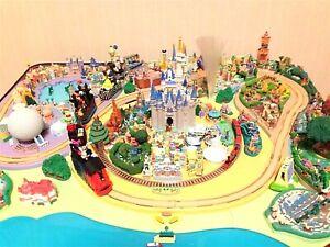 Disney parade Diorama miniature Florida Walt Disney World Disneyland Figure