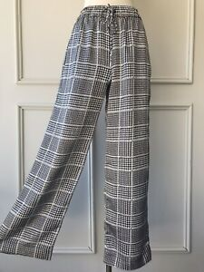 | COUNTRY ROAD | check print satin wide leg pants black | NEW | $179 | SIZE: 6 |