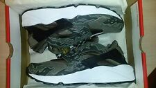 "SBTG for HYPEBEAST Nike Air Huarache ""AWOL Camo"""