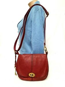 FOSSIL CARSON FLAP TURNLOCK RASBERRY CROSSBODY SHOULDER PURSE BAG ZB5056
