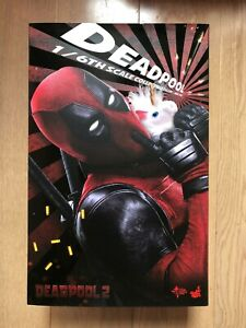 Hot Toys MMS 490 Deadpool 2 Ryan Reynolds Wade Wilson 12 inch Action Figure USED
