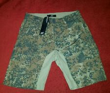$78.00  Diesel   Green  Camouflage  Shorts  Men's Size 28