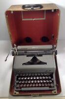 Grey Royal Arrow Manual Portable Typewriter in Case  Glass Keys Touch Control
