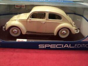 Maisto 1955 Volkswagen Beetle Kafer 1/18 scale NIB 2020 release cream exterior