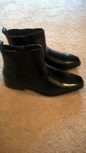 Mens black size 9.5 Ankle Boots