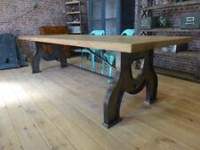 très grande table industrielle de salle à manger repas famille open space bureau