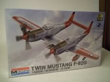 Twin Mustang F82G US Air Force plane 1 72nd scale model kit, MIB