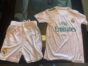 REAL MADRID FOOTBALL CLUB SHIRT AND SHORTS  (RONALDO + 7 ON BACK ) BOYS age 8-10
