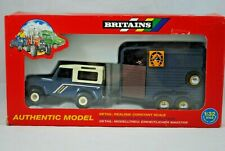 1:32 Britains 9650 LAND ROVER Defender 90 Farm Vehicle & HORSE BOX Trailer MIB