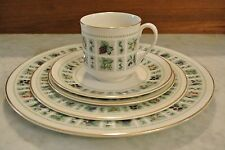 Royal Doulton England China Tapestry 5 Dinnerware Set. Plate Set. Collection