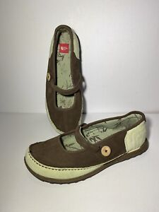 The North Face Awesome Mary Jane Style Slip On's Size US 10 UK 8.5 EU 41 Wide